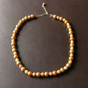 Faux Pearl and bead necklace gold tone clasp EUC.